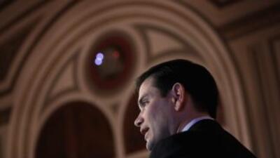 El Senador Marco Rubio no dijo si alguna vez había fumado marihuana dura...