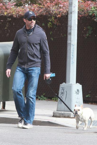 Esta vez lo encontramos en Nueva York paseando a su perro.