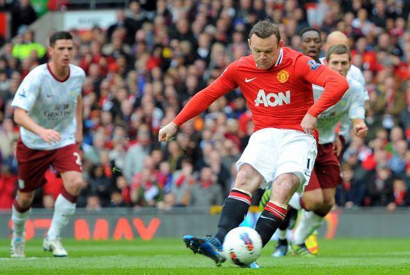 El capitán Wayne Rooney fue el encargado del cobro.