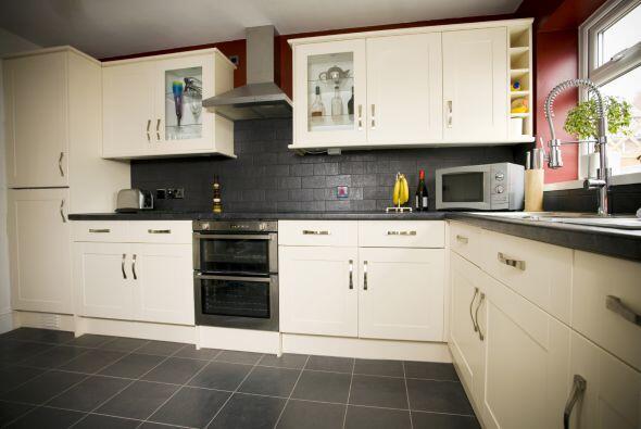 8. Elegir muebles poco prácticos. Por ejemplo, en la cocina es común col...