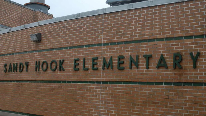 Comunidad participó en la apertura de nueva escuela de Sandy Hook