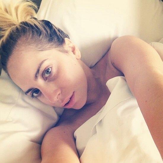 Gracias a una 'selfie' desde la cama, fue como pudimos notar el hermoso...