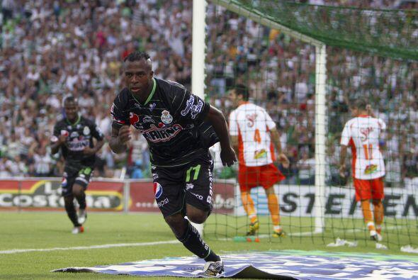 Apenas volvió a la Liga MX, Benítez retomó su idilio goleador y se reafi...