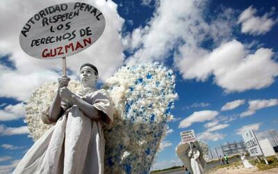 'No somos ángeles protectores, ni de la oscuridad, ni de la luz. Somos á...