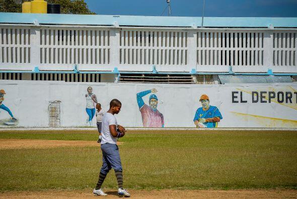 Otro grupo recorrió la cárcel de mujeres de Guatao y el centro de jóvene...
