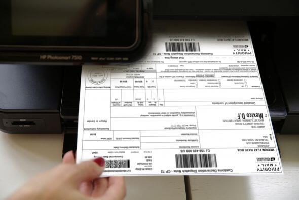 Ahora sólo imprimo la etiqueta con toda la información del envío y la...