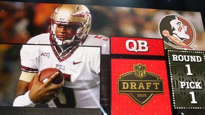 La selección #1 global del Draft 2015 de la NFL. (AP-NFL).