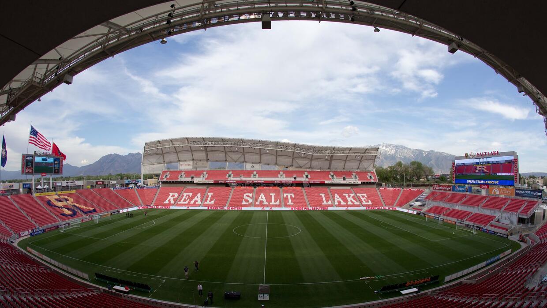 Real Salt Lake. Abrió sus puertas el 9 de octubre del 2008.  Tiene capac...