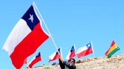Los chilenos comenzaron los largos festejos de sus Fiestas Patrias para...