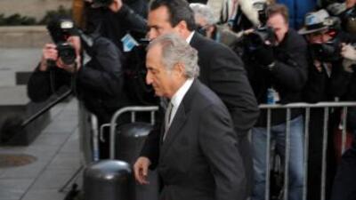 Madoff está acusado por una estafa de unos $65,000 millones.