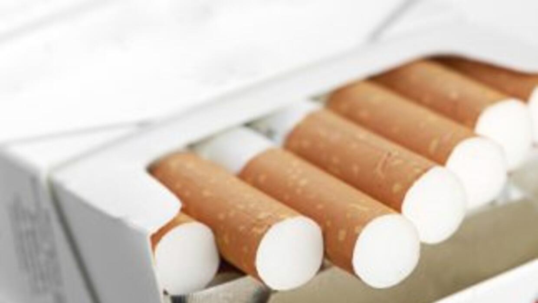 Además de ser potencialmente mortal, el vicio de fumar es también muy co...