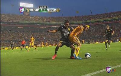 Tigres logró la victoria en casa ante Leones Negros por 1-0
