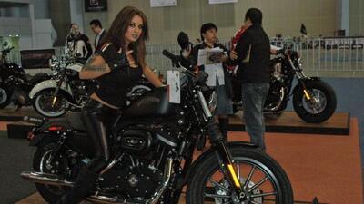 El Salón de la Motocicleta 2011 mostró los modelos más recientes acompañ...