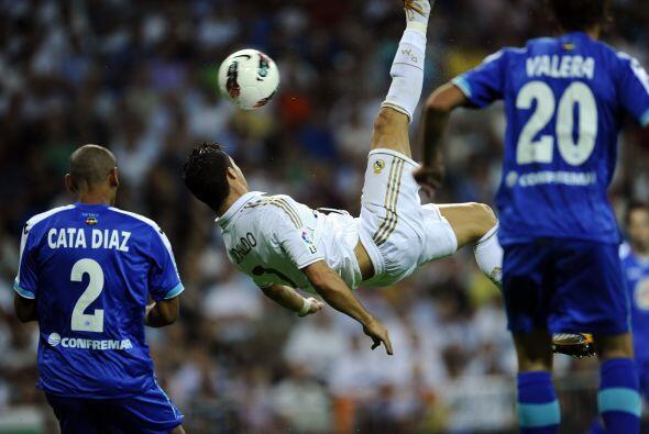 De patadas voladoras también sabe Cristiano Ronaldo. No se lo pie...