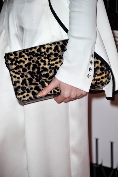Un bolso en 'animal print' es uno de los básicos que no pueden faltar en...