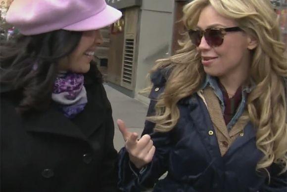 Más que una entrevista, Thalía y Karla disfrutaron de una charla entre a...