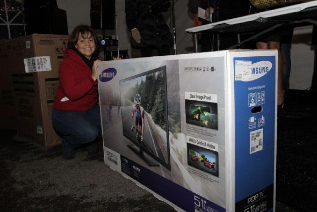 Y nuestra amiga se llevó el televisor ..