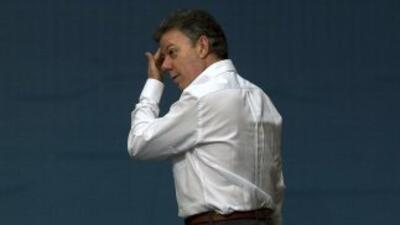 El presidente de Colombia, Juan Manuel Santos, rechazó la propuesta de l...