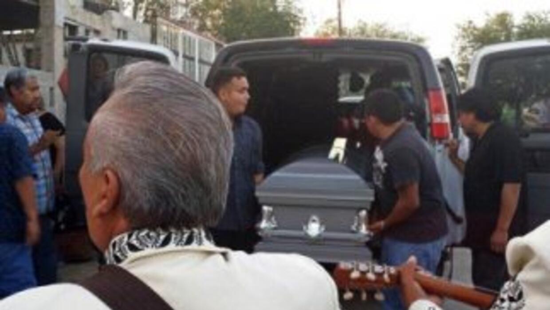 El cuerpo de Ramiro Hernández llegó a su última morada.