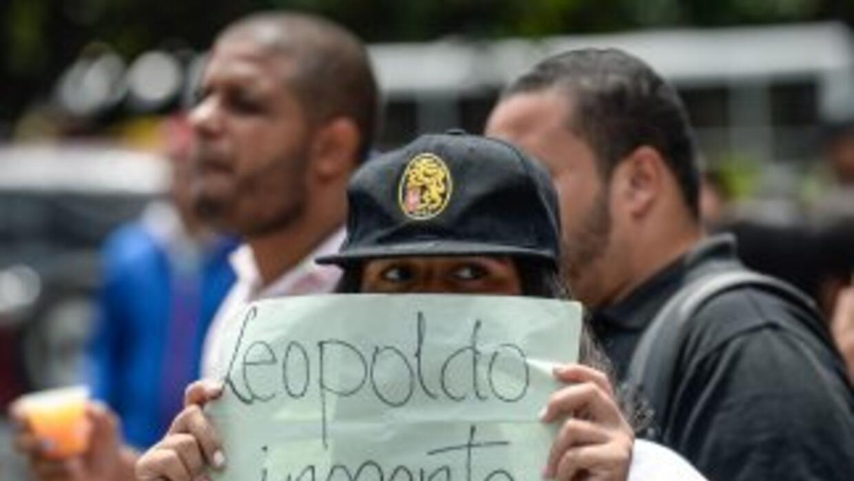 Cuando López se entregó a las autoridades, en febrero de 2014, las manif...
