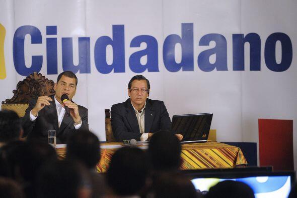 El comandante general de la Policía, Freddy Martínez, anunció la renunci...
