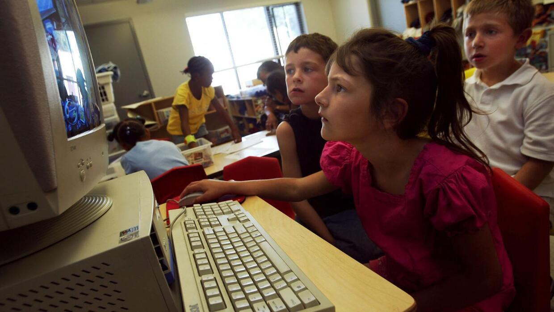 Decisión Suprema sobre programas de educación
