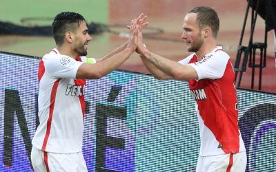 Falcao y Germain celebran uno de los goles del Mónaco