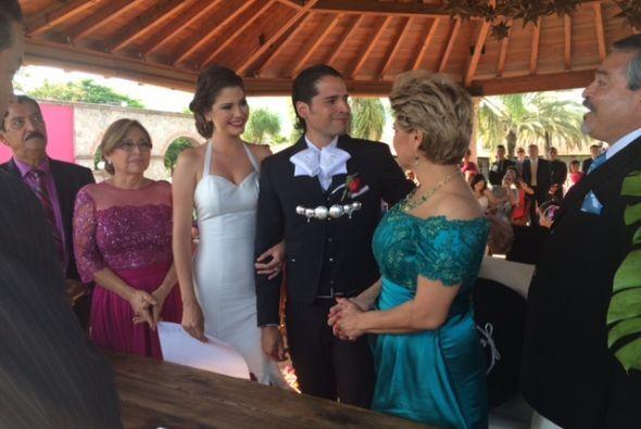 Doña Alicia, Ana Patricia, Luis y María Goretti, al momento de terminar...