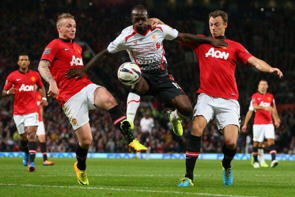 Manchester United y Liverpool se enfrentaron en la Copa de la Liga de In...