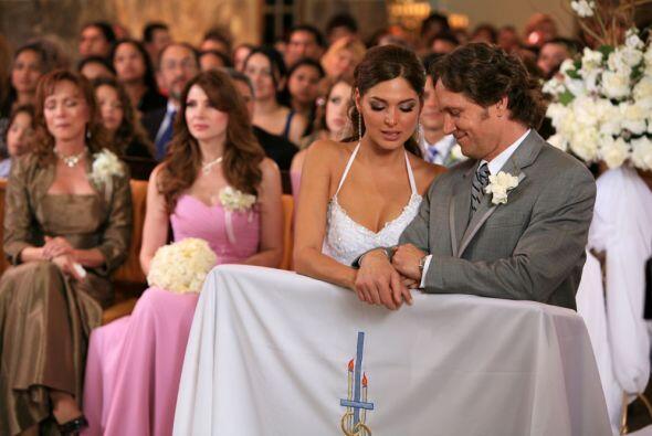 Daniel y Eva son ya los esposos Villanueva.