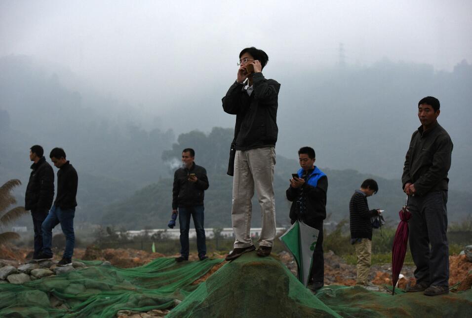 Hombre sobrevivió 60 horas tras deslave en China desastre4.jpg