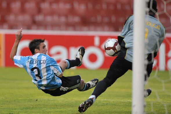 El 2-0 final mantenía vivas sus esperanzas de ir a Londres 2012.