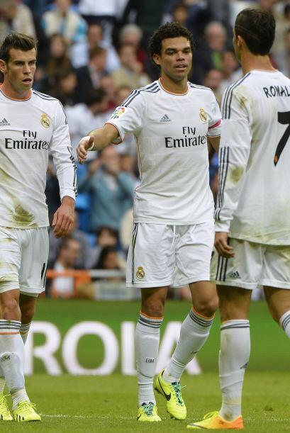 Triunfo final del Real Madrid que se ganó el aplauso de la afición.