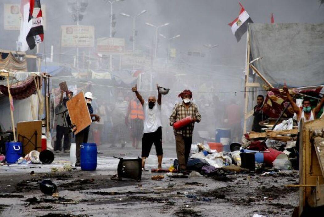 Tras el derrocamiento de Morsi, miles de personas apoyaron al depuesto p...