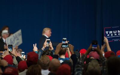 Donald Trump en un evento de campaña en Geneva, Ohio, el 27 de oc...