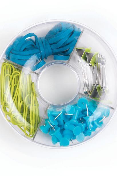 Los pequeños accesorios como 'clips', grapas, ligas y tachuelas e...