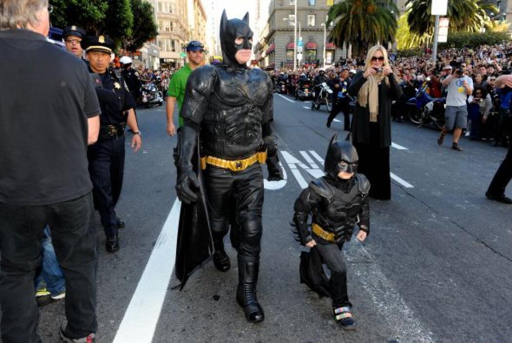 Pero más el de Christian Bale, quien encarnó a Batman en la película Bat...