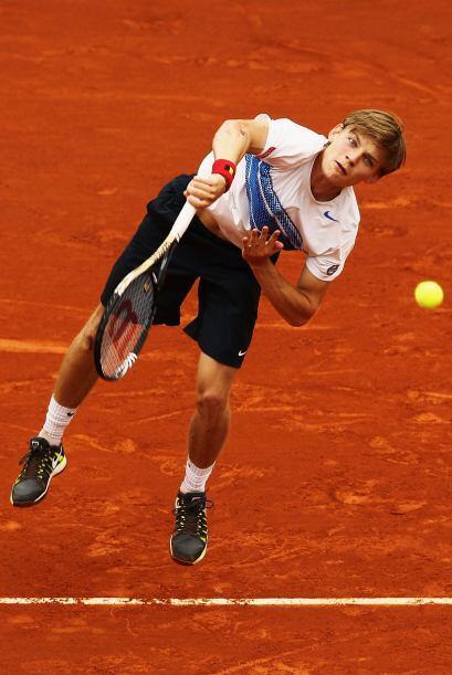 Goffin mantuvo a Federer tenso y pendiente hasta el 5-5 del segundo set,...