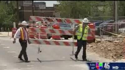 La calle North Main, una importante arteria vial de Houston, permanecerá...