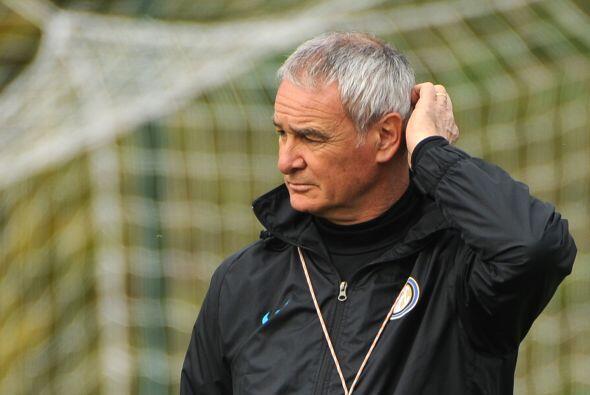 El delantero argentino será uno de los once de Ranieri, mientras...