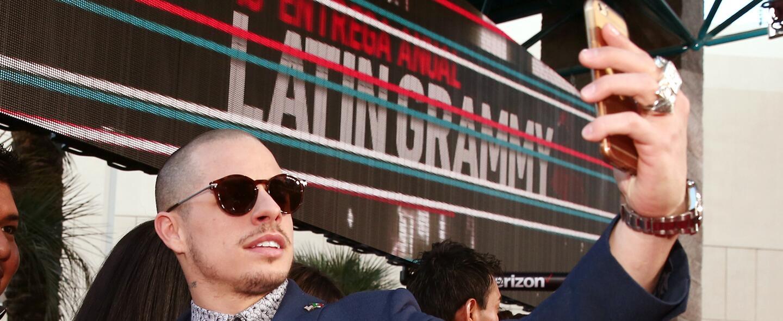 Revive los mejores momentos de la alfombra de los Latin Grammy, ¿Casper...