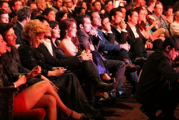 En la primera fila estuvieron los jueces, los presentadores de Noche de...