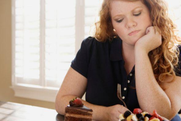 Otro problema que las mujeres latinas enfrentan es la obesidad, pues es...