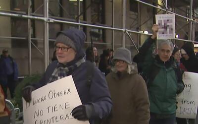 Cientos de personas se reúnen en Manhattan para apoyar la iniciativa 'Un...