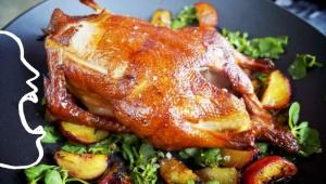 El pato es un ave que, como pocas, se lleva bien con vinos tintos robust...
