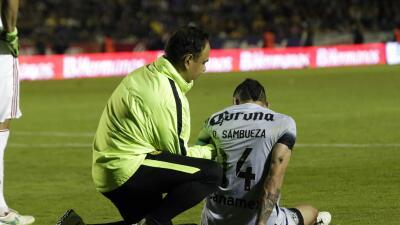 Rubens Sambueza debió salir del partido contra Tigres por la lesión.