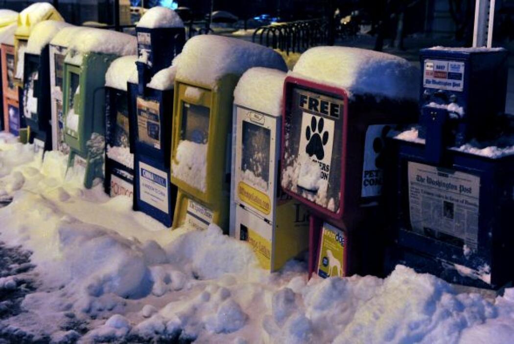 La tardía tormenta invernal ha extendido las nevadas desde Virginia Occi...