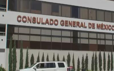Consulado de México en Los Ángeles, inundado con solicitudes de doble ci...