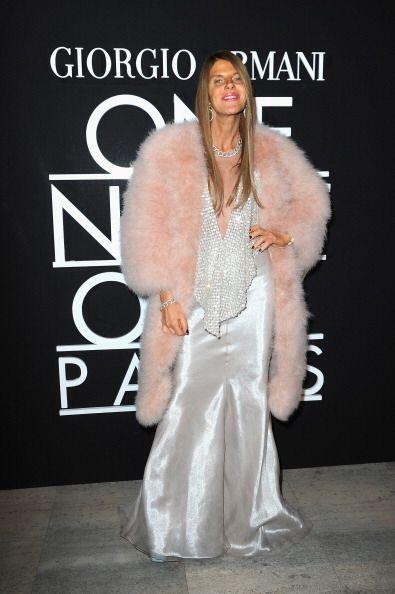 Para el 'fashion show' de Giorgio Armani, Anna Dello Russo se recat&oacu...
