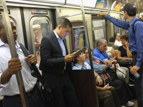 El servicio de transporte público reinició sus actividades en Nueva York...